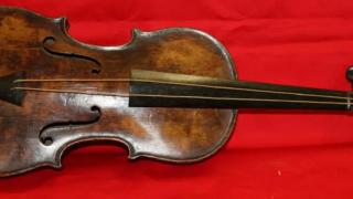 タイタニックのバイオリン